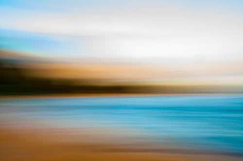 blurry-photo-of-beach-with-camera-moving-while-taking-picture