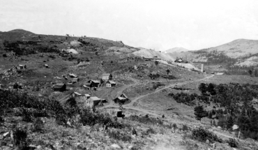 Caribou-Colorado-silver-mining-town-in-1911-black-and-white